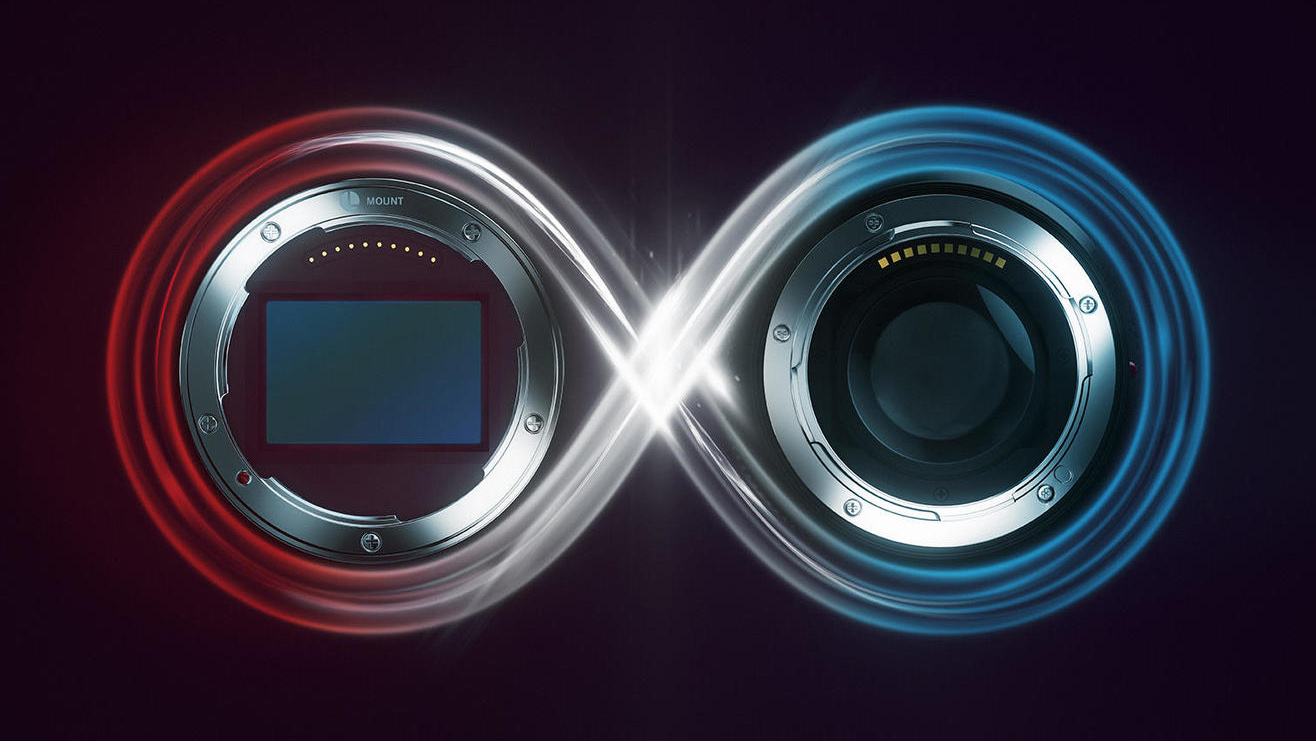Images of Sigma 14-24mm F2.8, 35mm F1.2 and 45mm F2.8 lenses leak out
