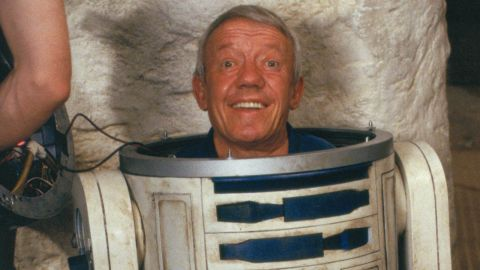'Star Wars' R2-D2 Actor Kenny Baker Dead At 81