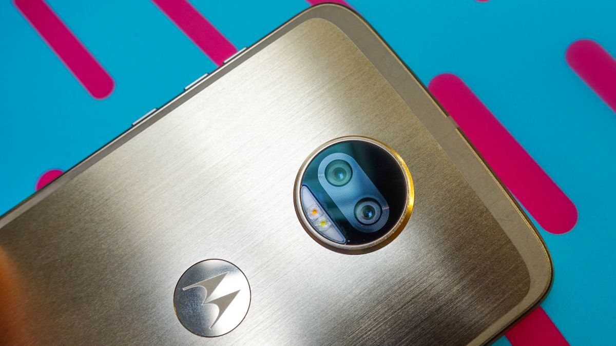 Moto X4 image leak gives us a clear look at Motorola's shiny handset