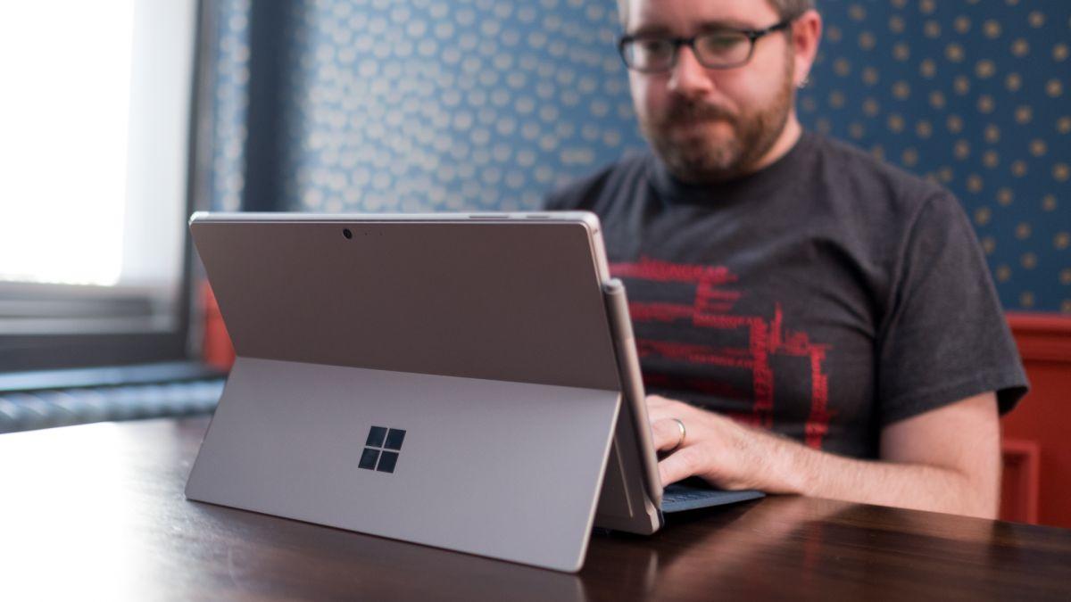 Leaked Microsoft Whiteboard app boasts some slick new stylus tricks