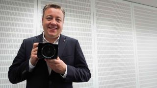 Stefan Daniels of Leica with the Leica SL (Typ 601)