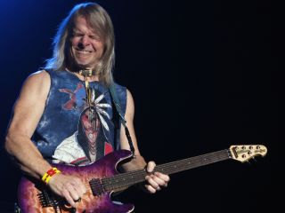 In an intimate club setting Steve Morse will prove that Les is more