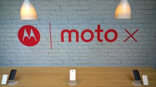 Moto X arrives early in UK stores