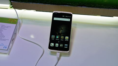 ZTE Axon Elite review