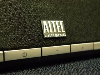 Altec Lansing Octiv 450 - sits well with your iPad
