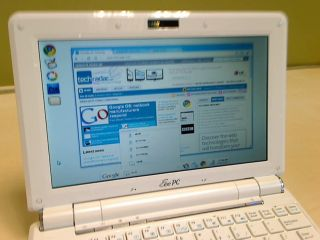Google Chrome OS rumoured to be released on consumer devices later in November 2010