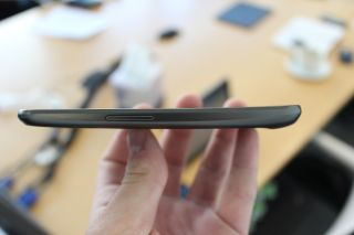 Bug less Samsung Galaxy Nexus lands at UK retailer