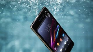 Sony Xperia Z2 bares all in new video