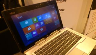 Hands on: Fujitsu Stylistic Q702 tablet