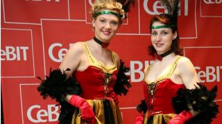 CeBIT cancan girls