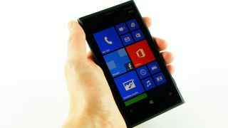 Nokia rolling out software bumps for Lumia 920, 820 and 620 handsets