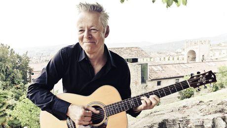 tommy emmanuel picks 10 essential acoustic guitar albums musicradar. Black Bedroom Furniture Sets. Home Design Ideas