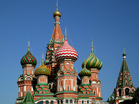 Famous buildings: St Basil's Cathedral in Moscow
