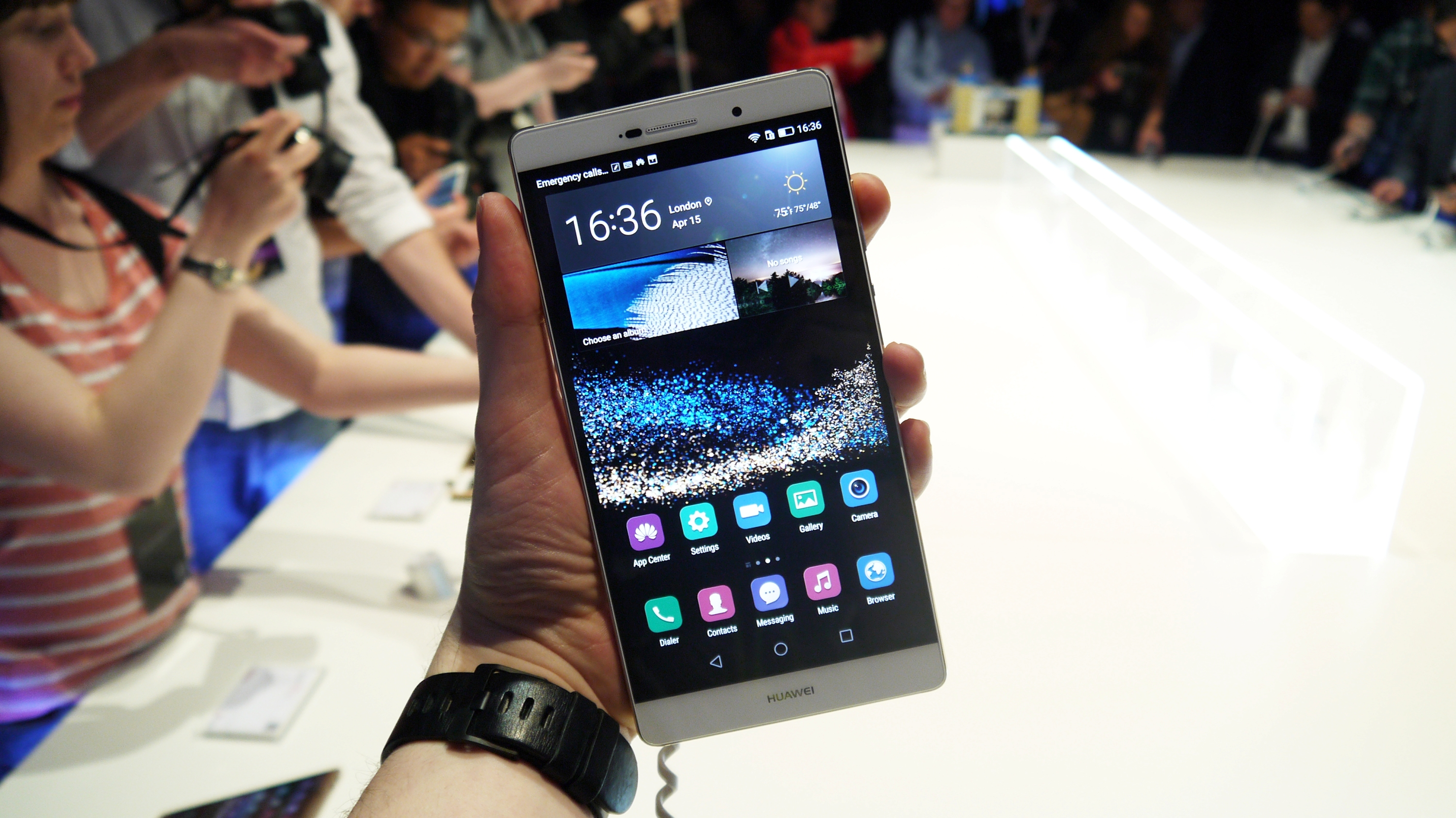 Hands on: Huawei P8 Max review   TechRadar