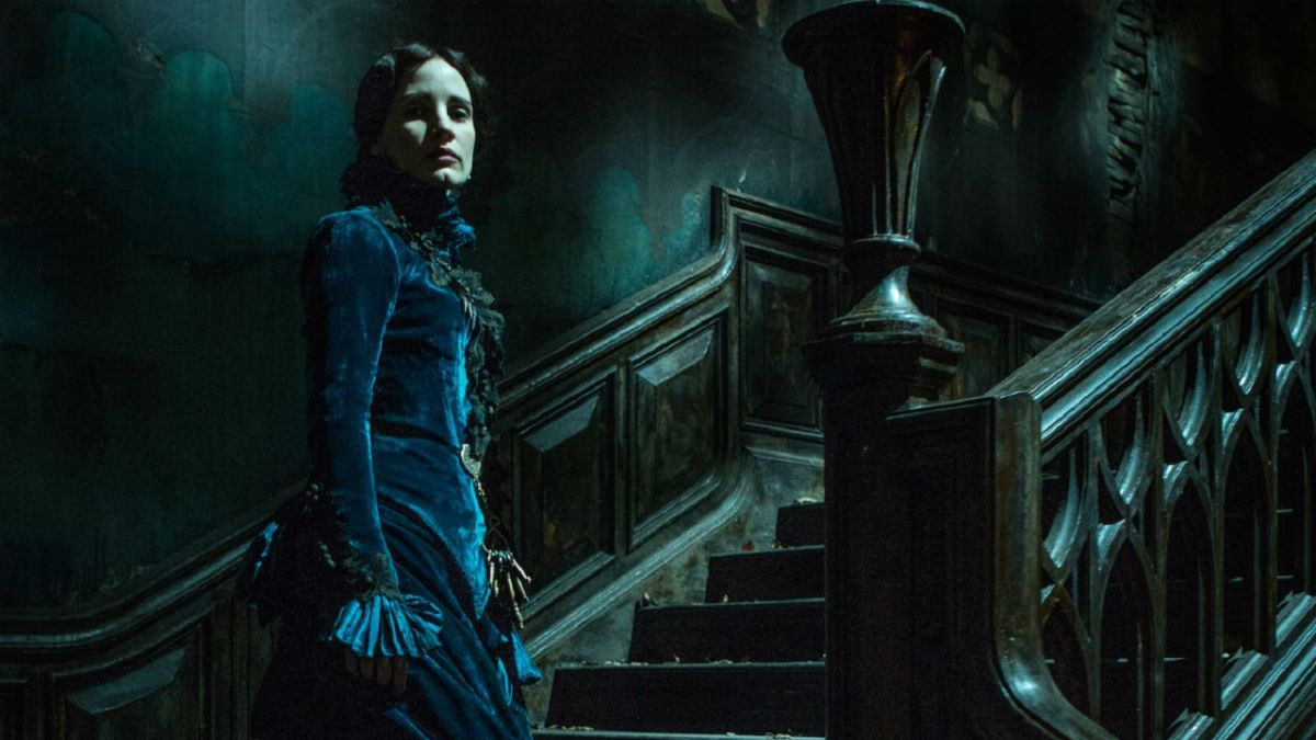 Deep foreboding and plenty of warnings in first Crimson Peak clip