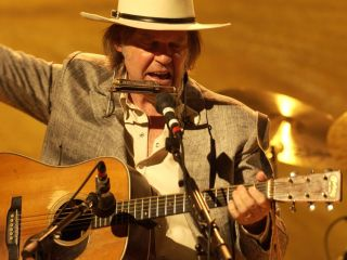 Neil Young: Road Warrior