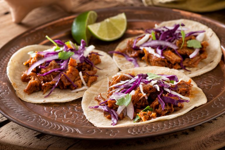 Slow cooker pulled pork: the ultimate recipe for pulled pork burgers, tacos, and more