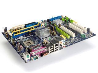 Foxconn 9657AA-8EKRS2H review | TechRadar
