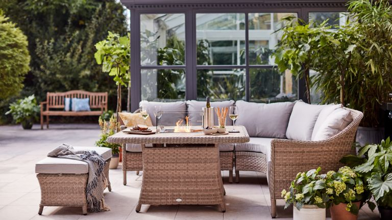garden table ideas: dobbies