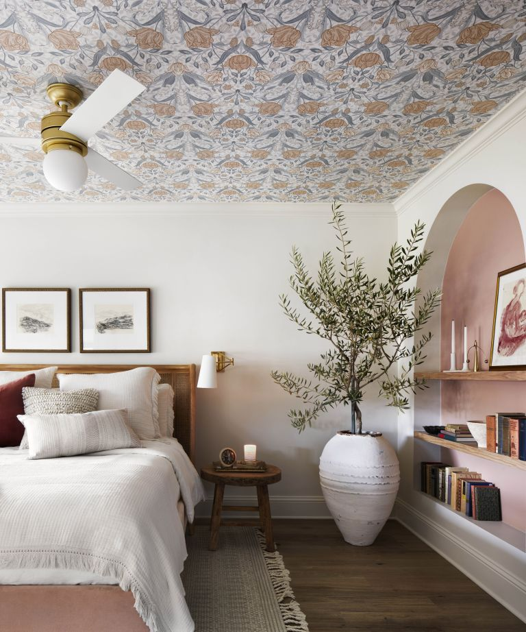 Ceiling wallpaper: Joanna Gaines bedroom project, bedroom with wallpaper on the ceiling from Fixer Upper: Welcome Home