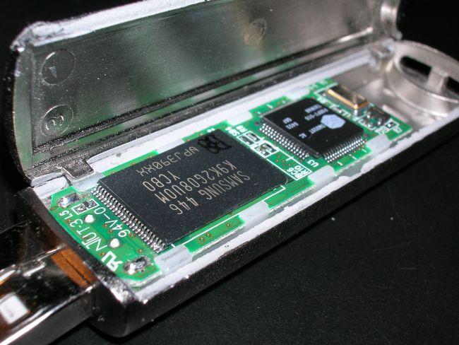 Flash storage VS SSD storage