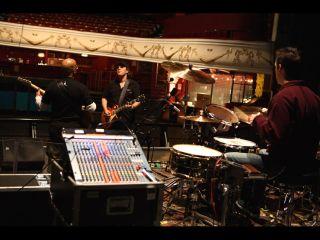 Joe soundchecking with bassist Carmine Rojas