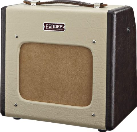Vintage-correct livery and old-school tube tone
