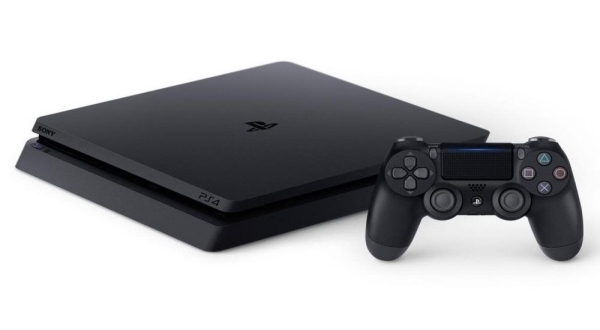 PS4 system and controller