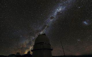 The Milky Way over the 1.54-metre Danish Telescope at La Silla