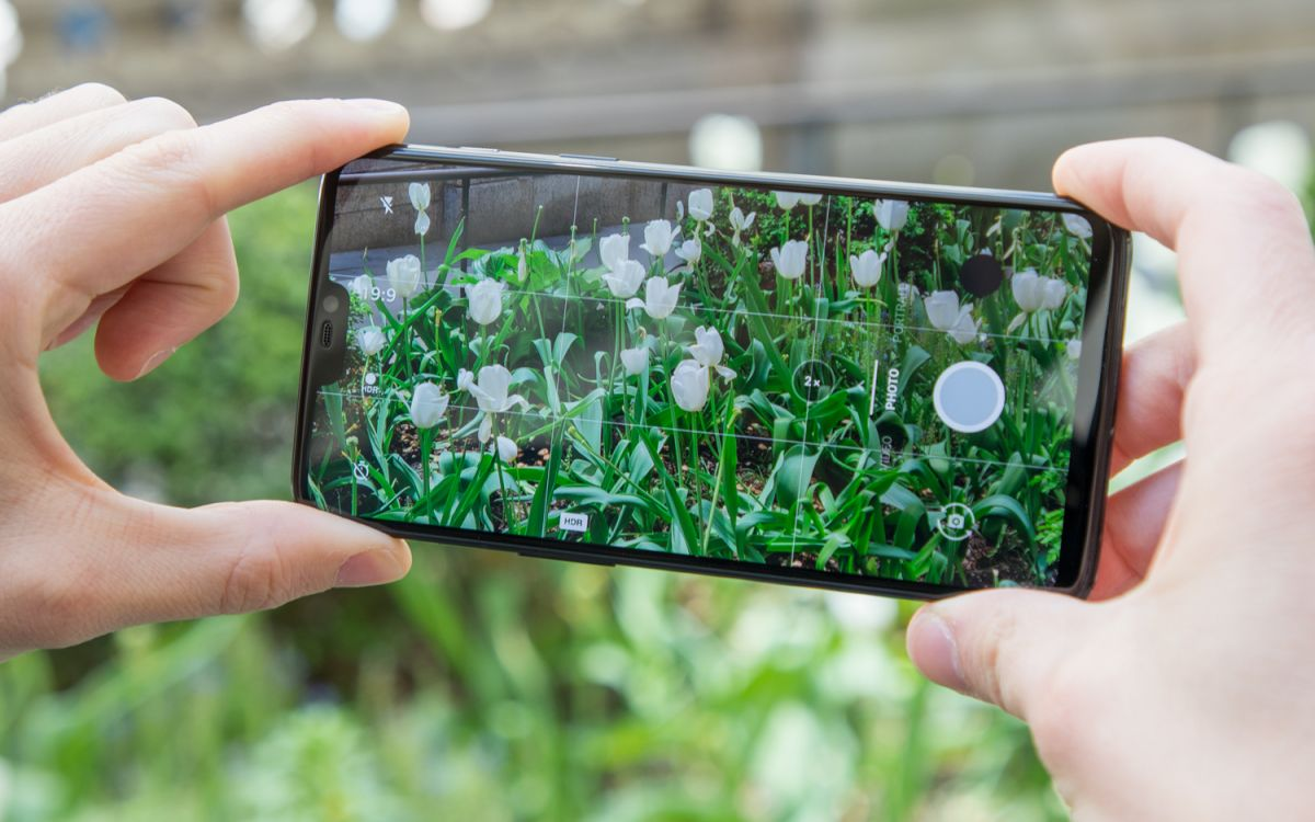 OnePlus 6 Hands-on Review: A Dream Phone for Power Users on
