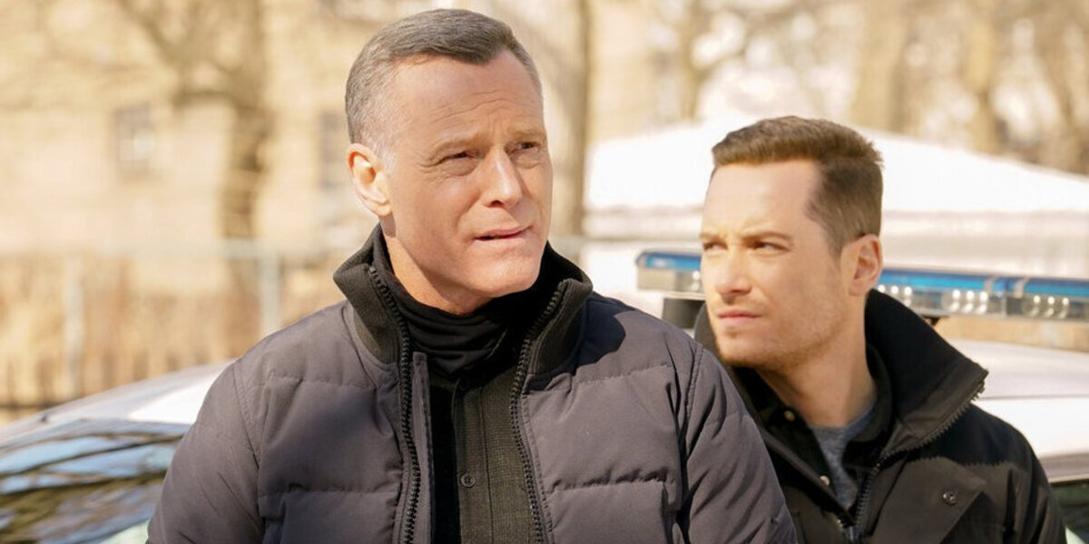 Chicago P.D.'s Jason Beghe And Jesse Lee Soffer Talk Voight And Halstead Crossing Lines In Season 8
