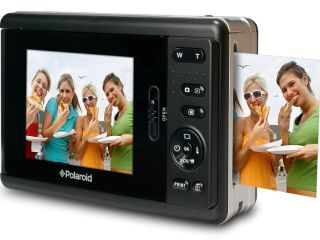 New digi instamatic from Polaroid - ideal for parties and family get-togethers