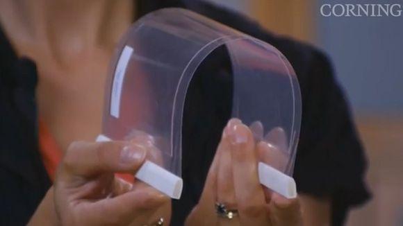 LG's unbreakable, flexible OLED panels reveal next generation of phone