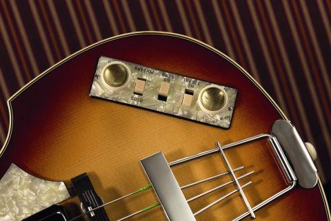 The 500/1 Violin's pearloid control centre