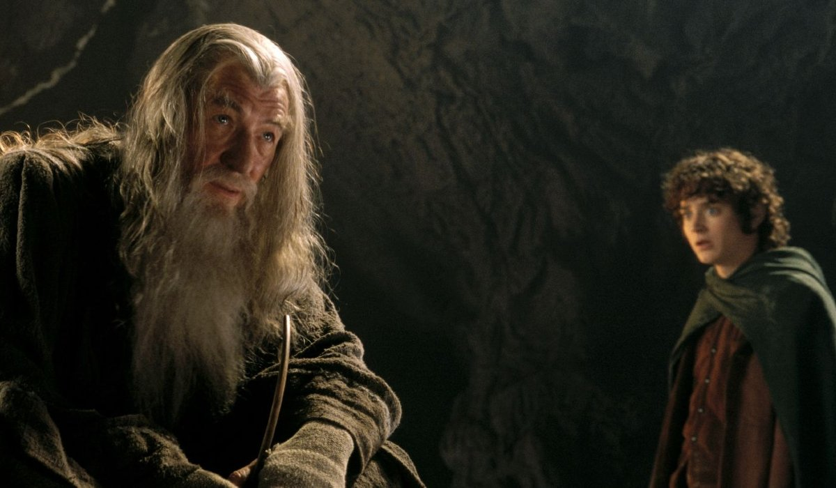 Lord of the Rings: The Fellowship of the Ring Gandalf and Frodo speak in the mines