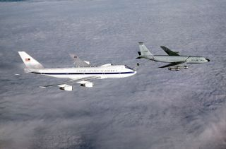 The Doomsday Plane can refuel while in flight.