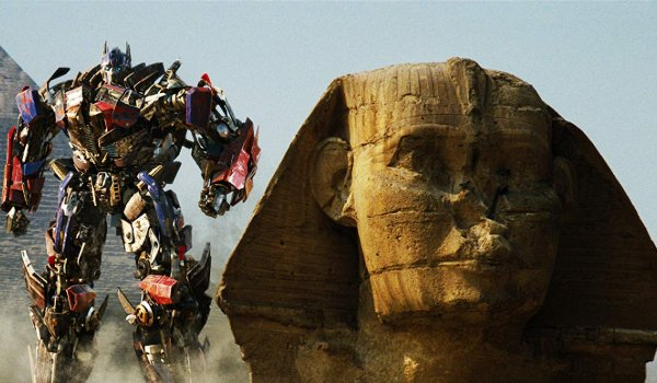 Transformers: Revenge of the Fallen Optimus Prime stands next to The Sphinx