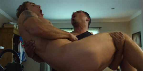 CHIPS Michael Pena holds naked Dax Shepard