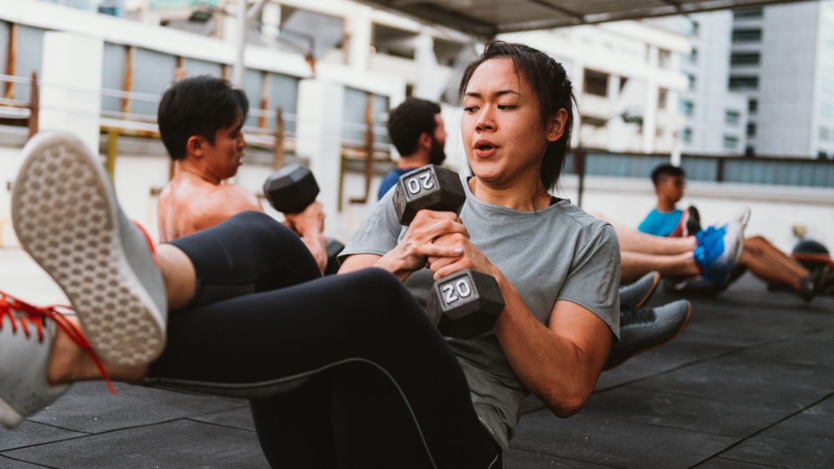 Watch: Full-body dumbbell strength and conditioning workout