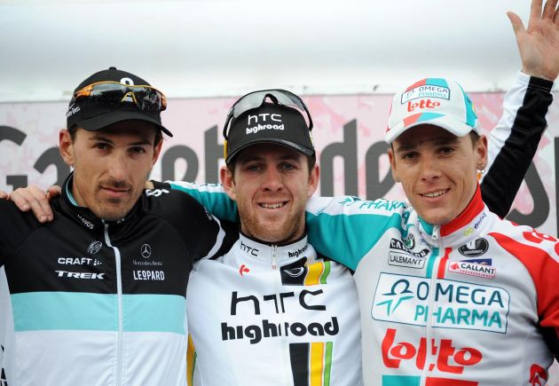 Matt Goss tops podium, flanked by Fabian Cancellara (second) and Philippe Gilbert (third), Milan-San remo 2011