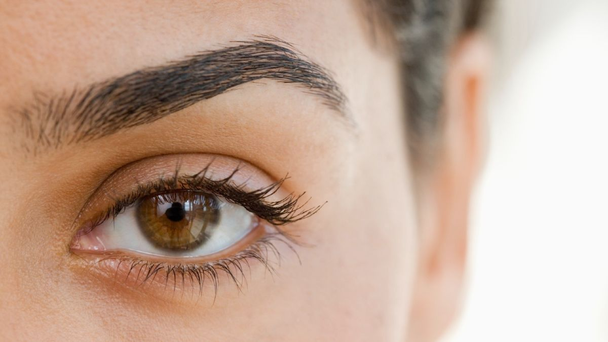 How to shape eyebrows like a pro (no appointment required)