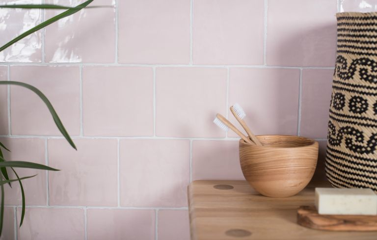 How to clean tile grout: Pink tiles in a small bathroom