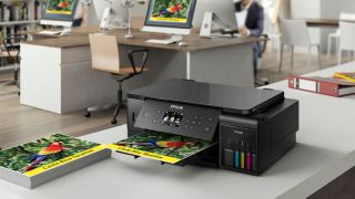 Photo printers vs online printing services: Which is best?