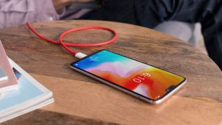 Oneplus 6 Doesnt Have Wireless Charging Yet Has A Glass Back