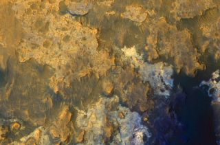 MRO Spots Mars Rover Curiosity in 'Artist's Drive'