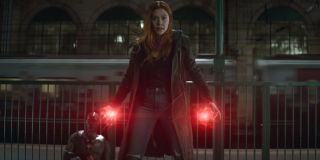 Avengers: Infinity War Elizabeth Olsen charges her Scarlet Witch powers at the train station