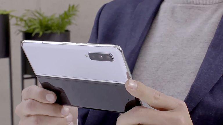 Samsung Galaxy Fold Design Price