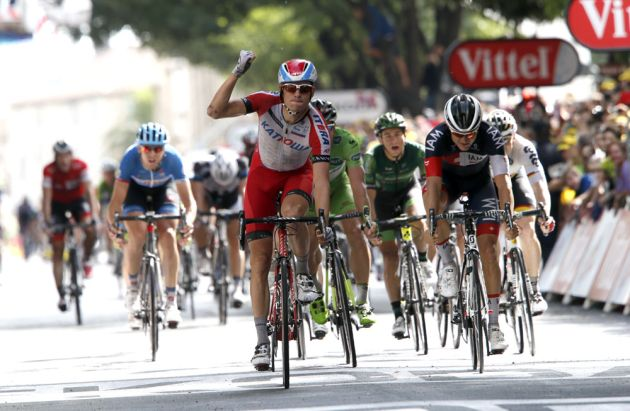 Alexander Kristoff wins stage fifteen of the 2014 Tour de France