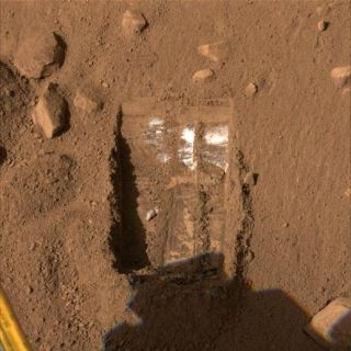 Robot Finds Mars Dry So Far