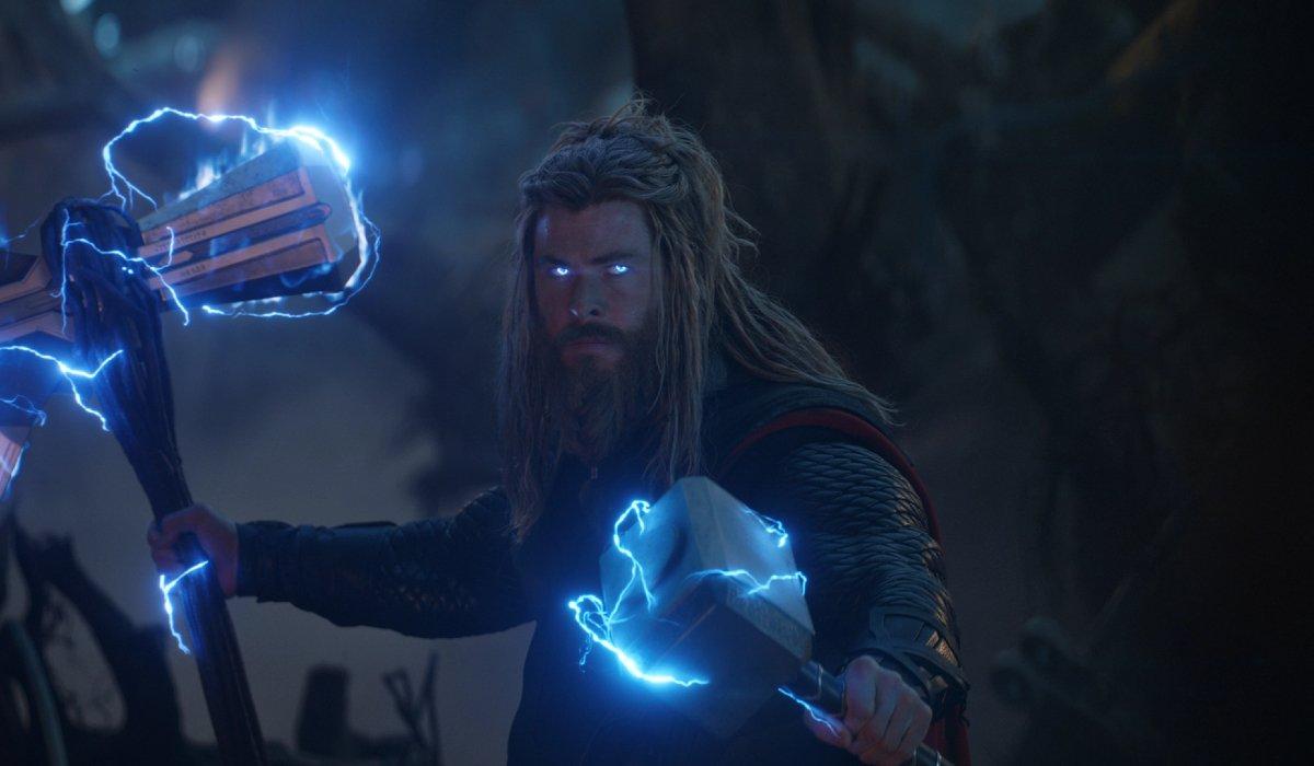 Avengers: Endgame Fat Thor wields Stormbreaker and Mjolnir